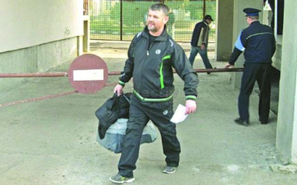 Severin Tcaciuc, în 2011, la eliberarea din Penitenciarul Botoșani
