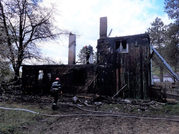 Incendiu cabana Slatioara