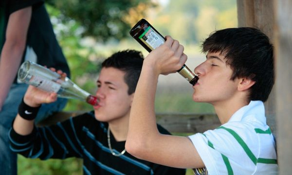 Copii, alcool, tineri, bere